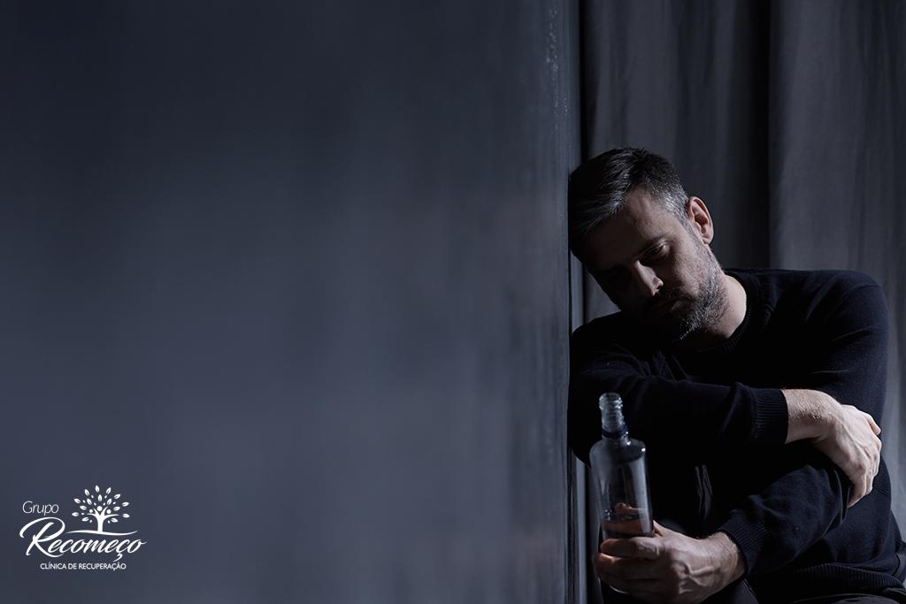 O que é abstinência alcoólica e como é o tratamento?