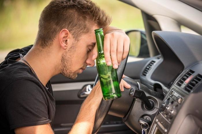 Como lidar com filho alcoólatra?