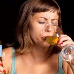 Como ajudar uma pessoa a parar de beber