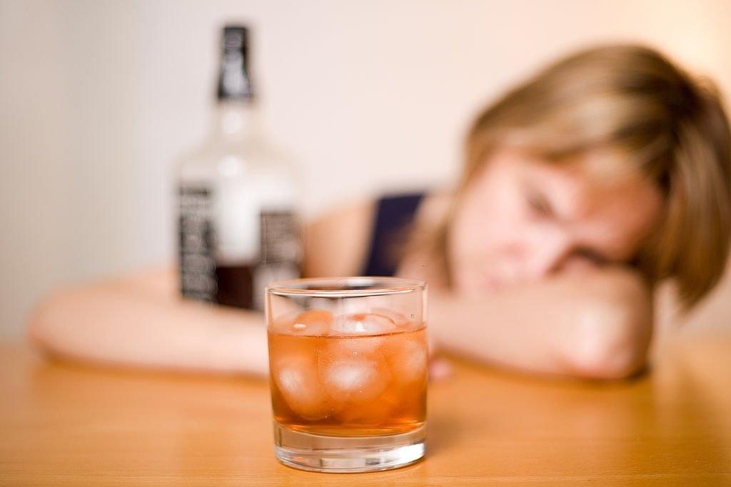 Quanto custa para internar um alcoólatra